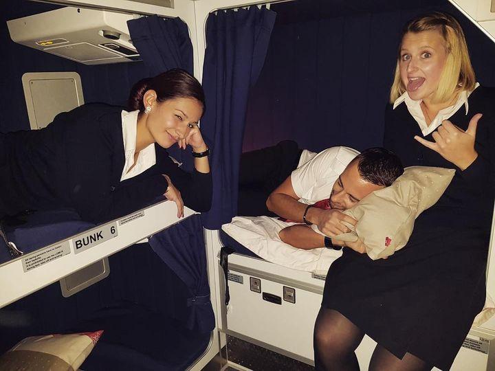 ¿La Tripulación Duerme Durante Los Viajes Largos?